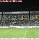 Brescia-Padova : i tifosi delle rondinelle appostati in tribuna