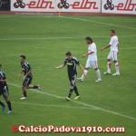 Davide Succi non esulta in segno di rispetto dopo il gol