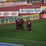 Tifosi del Cittadella festeggiano il gol del pareggio