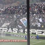 Curva Ferrovia con i tifosi dello Spezia